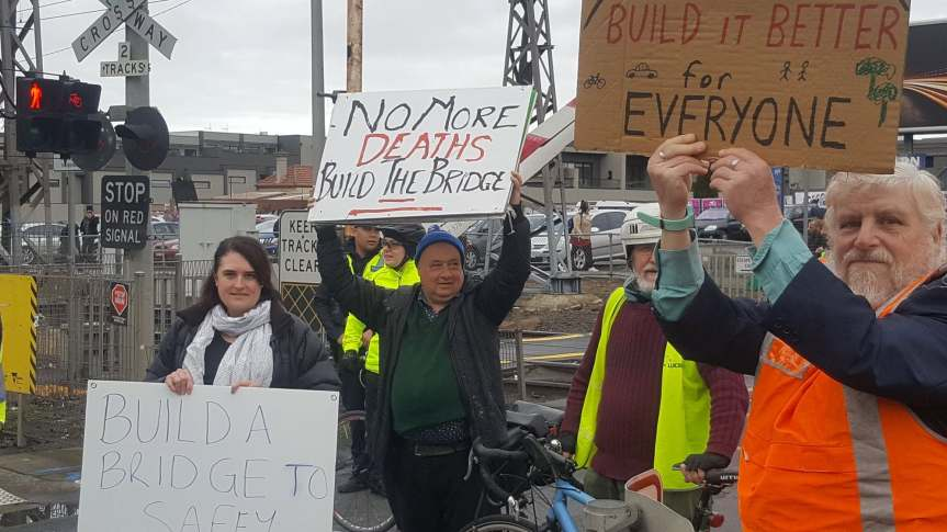 Morelend Leader: Peak hour protest – Level Crossing removal will not solve congestion